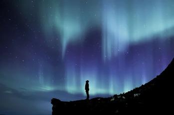 aurora-borealis-2464940_1920
