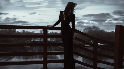 long-dress-1438140_1920