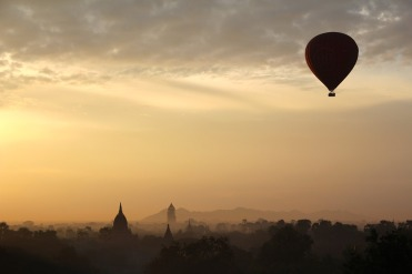 hot-air-balloon-ride-1029303_960_720
