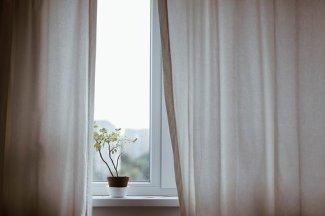 curtains-1854110__340